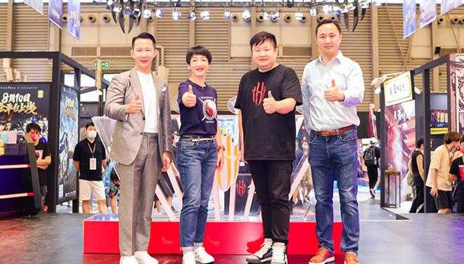 红魔6系列亮相CJ火爆全场 与潮酷小黄人联名产品闪耀2021CJ