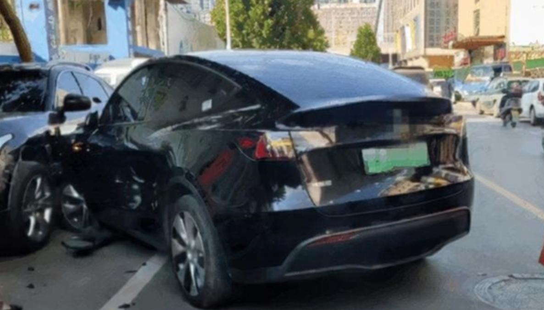 特斯拉回应郑州Model Y连撞多车事件:假的